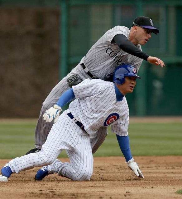 Kosuke Fukudome tries to break up a double play.jpg