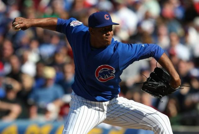 Carlos Marmol gets down low with his delivery.jpg