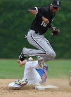 Mike Fontenot breaks up a double play.jpg