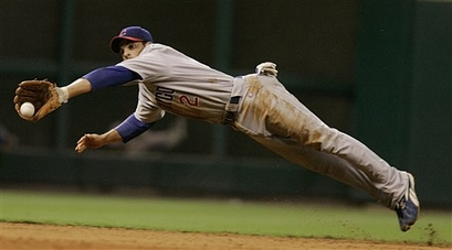 theriot-diving-catch-capt. .cubs_astros_baseball_hta105.jpg