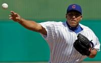 Carlos Zambrano throws a pitch during Cubs 2010 Spring Training.JPG